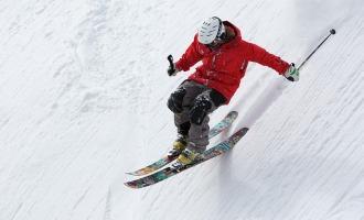 Allez pratiquer le ski sur l'île de beauté