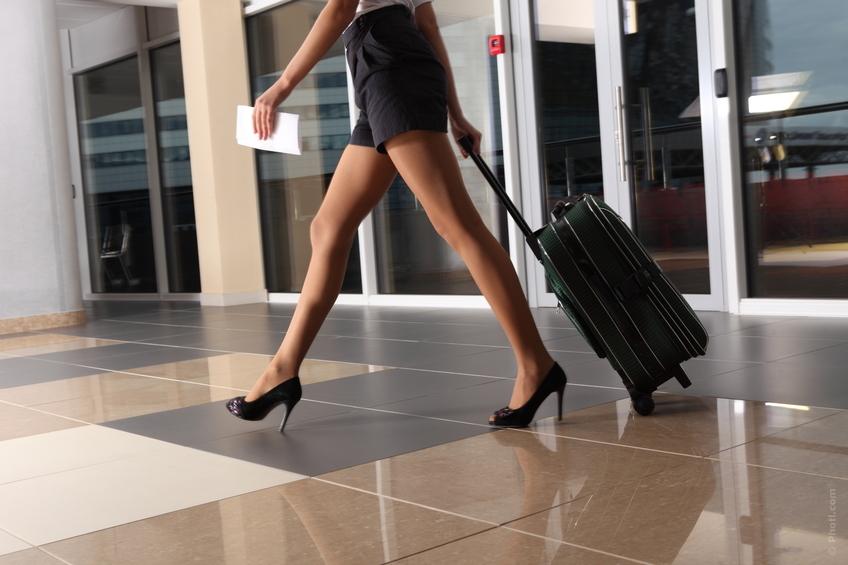 jambes-femme-aeroport