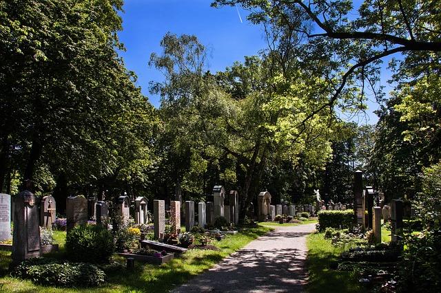 cemetery-348952_640