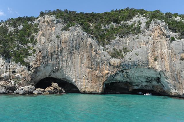 La grotta del bue marino a Cala Gonone sull'isola di Sardegna